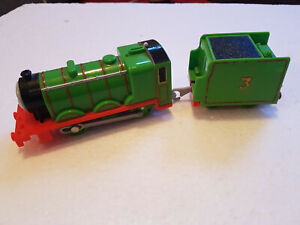 Tomy Thomas The Tank Engine Motorised Henry Train With Tender Trackmaster