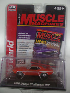 Auto World 1:64 Scale Hemmings Muscle Machines red 1970 DODGE  CHALLENGER  R/T