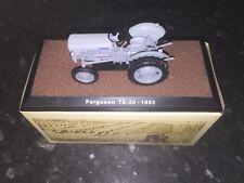 "Atlas edition-ferguson TE-20 - 1953 ""little grey fergie modèle"" tracteur."
