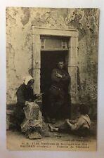 CPA. EQUIHEN. 62 - Famille de Pêcheurs. Filet. Environs de Boulogne.