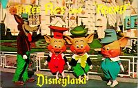 Vtg 1960s Disneyland Postcard Three Pigs and Friends DT-35927 Unposted