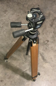 Bogen Tripod with Manfrotto 3047 Head