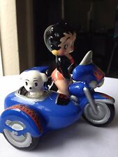 vubtage Betty Boop & Pudgy Motor Cycle & Side Car Salt & Pepper Set