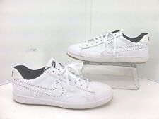 Nike Life Style Tennis Sneaker Shoes. Size 8.5 Style 725111-100