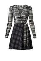 Diane von Furstenberg Women's Dress Black Size 4 Wrap Plaid Geo Silk $598- #136