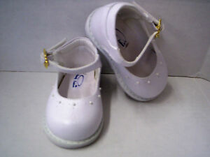 Shoes, Girl's Leather White With Tiny Beads by Heavenly Fashion, Size 4, New