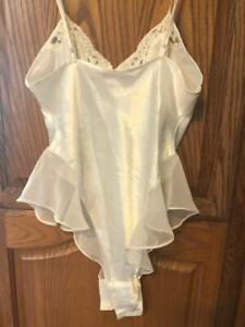 Victoria's Secret Vintage Medium Ivory Lace Teddy Bridal Lingerie Bodysuit