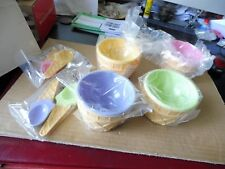 4 pots à glace en plastique