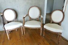 Paire de chaises médaillon + fauteuil cabriolet Louis XVI restaurés