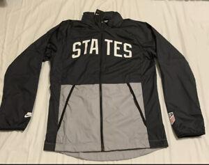 Men's Nike USA Black Full Zip Windbreaker Jacket With Hood CN7075-010 Sz Large