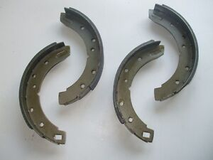AUSTIN MORRIS 1800 2200 Wolseley 18/85 Landcrab REAR BRAKE SHOES SET (1964- 75)