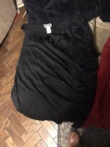 lot of motherhood 2x maternity clothes 5 tops 2 pants