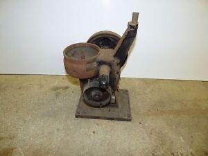 Teil einer alten Zentrifuge Butterzentrifuge Seperator