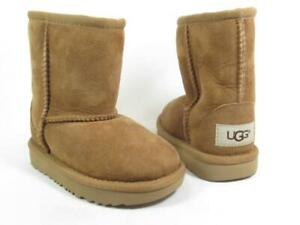Ugg Australia Classic II Sheepskin Toddler Boot Boys Girls Toddler US size 6