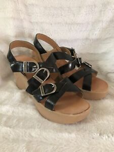 Famolare Hi There Black Leather Platform Buckle Strappy Sandals Womens US 8