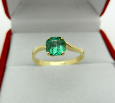 Classy Solid 18k yellow Gold Ring with vivid Natural Emerald size 7.25