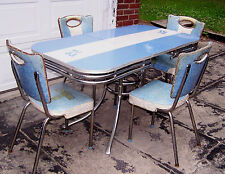 Unique VINTAGE FORMICA TABLE Blue w/ 4 VINTAGE CHAIRS in Blue - 1950's - VGUC!