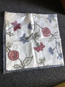 """Pottery Barn Crewel Embroidered Pillow Cover 18""""x18"""" NEW"""