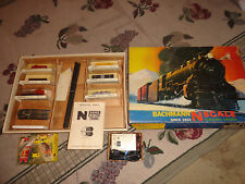 1969 Vintage Bachmann N Scale GP40 Diesel Train Set - Santa Fe