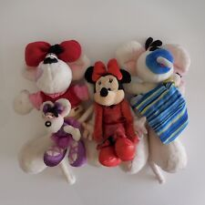 4 peluches toys MICKEY DISNEY DIDDLINA art concret installation PN écritures