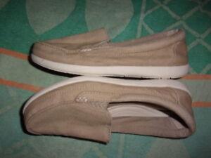 Crocs SHOES WOMENS SIZE 7