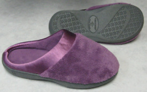 Women's Size 6.5-7 Purple ISOTONER Rubber Sole Slippers