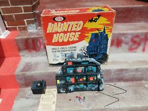 IDEAL vintage haunted house game