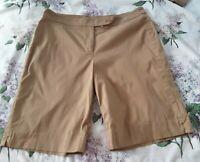Jones New York Signature Size 16 Tan Cotton Spandex Blend Khaki Shorts