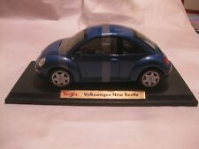 Volkswagen New Beetle In A Blue 118 Scale Diecast On Display Stand Maisto  dc568