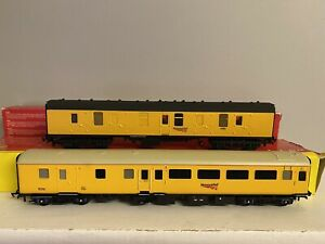 HORNBY 2x RESPRAYED MK1 & MK2 NETWORK RAIL COACHES