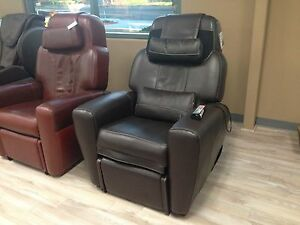 Showroom BLACK LEATHER AcuTouch 9500 Human Touch HT 9500x Massage Chair Recliner