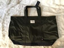 Tommy Hilfiger Duffle Gym Bag Travel Carry-On Two Tone Color w/ Zipper NWT