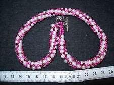 Handgefertigte gehäkelte Perlenkette, weiß-lila-pink länge:ca.45 cm,siehe Bild