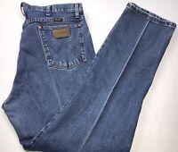 Wrangler Men/'s Original Fit Cowboy Cut Gold Buckle Jeans 13MWZGK