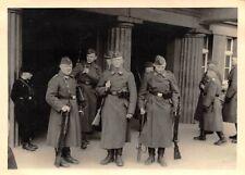 Pimpf HX  Wache am Eingang zur Kaserne