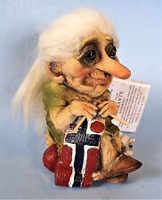 """Ny Form Troll with Cat  Knitting Norwegian Flag New with Tag #149  5"""" Tall"""