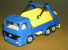 1/87 Scale 1990's Mercedes-Benz Actros Garbage Dumpster Truck (Trash Lorry) Siku