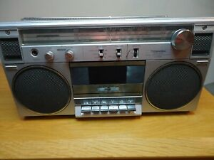toshiba rt 120  boombox ghettoblaster, ,working with new belts