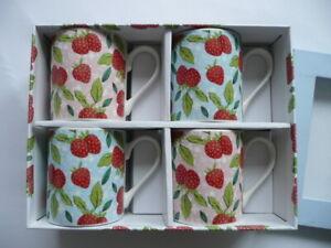 The Caravan Trail 4 x Erdbeer Becher Tasse aus feinem Porzellan in Geschenkbox