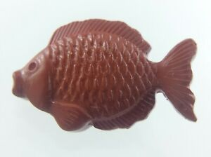 Vintage Molded Plastic Brown Fish Garment Button .75in Novelty Pattern 735C