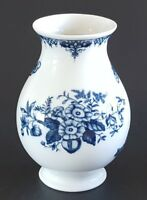 Royal Worcester Hanbury Porcelain Vase 1995 Made in England White Blue 6 1/4""