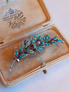 BEAUTIFUL ANTIQUE SILVER AND TURQUOISE FLOWER BROOCH