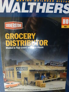 Walthers Cornerstone HO #933-3760 Grocery Distributor Kit (Kit Form) NEW