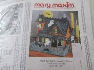 Mary Maxim Exclusive Haunted House Plastic Canvas Kit-8.5x11 Inches/21.5x28 cm
