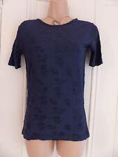 Pretty Monsoon UK 8 leggermente Silky Navy T Shirt tipo stretto Top Ricamo Floreale