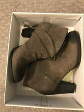 New Vintage Style Booties Clarks Alpine Melt Grey 6.5