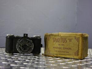 "Vintage Spartus ""35"" Bakelite 35mm Film Camera w/Original Box"