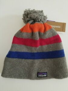 Patagonia Vintage Town Beanie. Light Feather Grey W/Blur, Red And Orange.