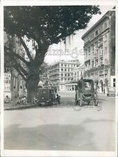 1942 Press Photo Hornby Street Scene Dadabhai Naoroji 1940s Mumbai India