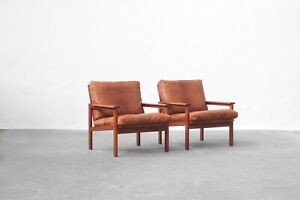 Pair of lounge chairs designed by Illum Wikkelsø for Niels Eilersen, danish 60s